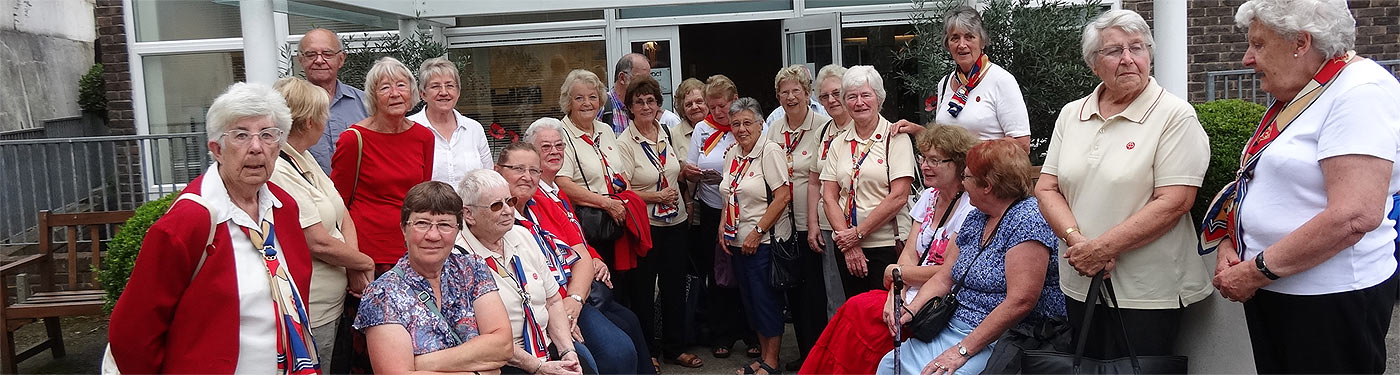 trefoil guild girlguiding hampshire east - descriptive image